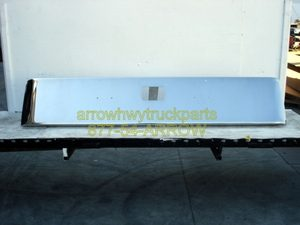"""Peterbilt 379 / 378 / 357 Bumper: """"Rolled End Budget"""" Chrome Steel: 18"""" Tall W/ Tow Hitch Hole"""