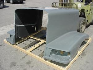 Peterbilt 377 Aftermarket Hood: Set Back Axle