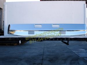 "Ford L9000, Sterling LT9511 & LT8511 bumper: chrome: ""OEM"" style with fog light cut out"