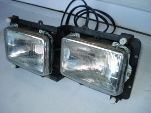Freightliner FLD120 / FLD112 Headlamp Assembly: Left