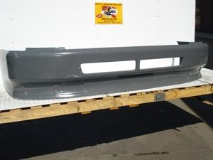 Volvo VNL Bumper: 1998-2003 Fiberglass