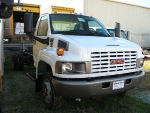 GMC / Chevrolet C4500 / C5500 2003 & later Single Head light Hood