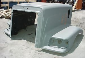 "Peterbilt 385 Short ""Redesigned"" New Aftermarket Hood."