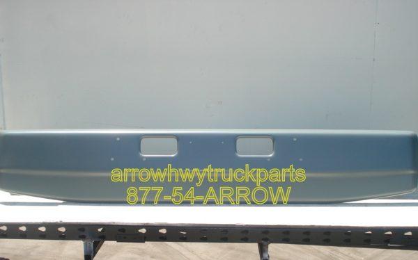 "Ford L9000, Sterling LT9511 & LT8511 bumper: ""OEM"" style: Painted"