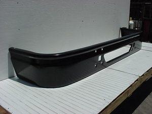International 9400i, 9200i, & 9100i Bumper w/ Body Line: Painted Steel fits 1997 & Newer