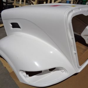 Peterbilt 386 Aftermarket Redesigned Hood